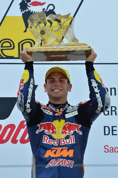Sandro Cortese nach seinem Sieg auf dem Sachsenring 2012